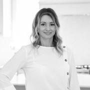 Cayman Agent - Monica Ghinea, Sales Associate