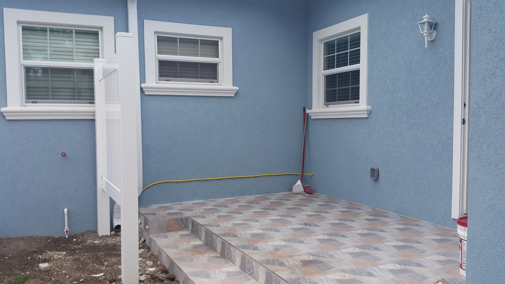 TROPICAL GARDENS - BRAND NEW DUPLEX - 2 BED + DEN / 2 BATH For Rent, George Town East Property