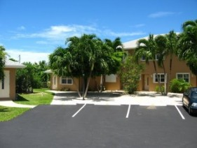 Palm Springs - Cayman Residential Property